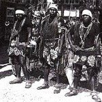 Zoos-humains-1931-groupe_Canaques