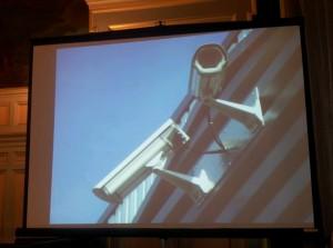 La sécurité est un droit pour tous. Ni angélisme, ni populisme dans le 16e. Du sérieux ! dans Municipales 2014 - Anne Hidalgo cameras-de-surveillance-300x223